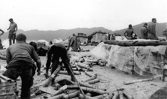 Vietnam Mortar Fire : Fsb maureen nd bn